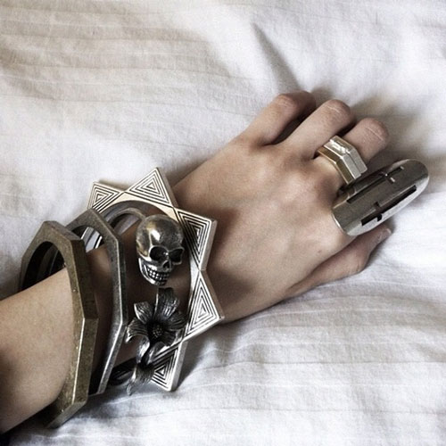 metal-jewelry-11