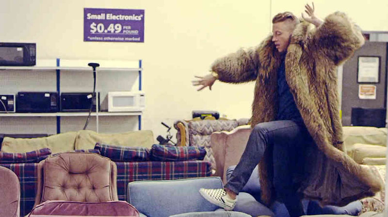 MACKLEMORE-THRIFT-SHOP-FEAT.-WANZ-3