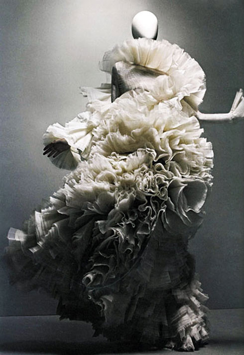 alex_mcqueen_savage_beauty_met_museum_4
