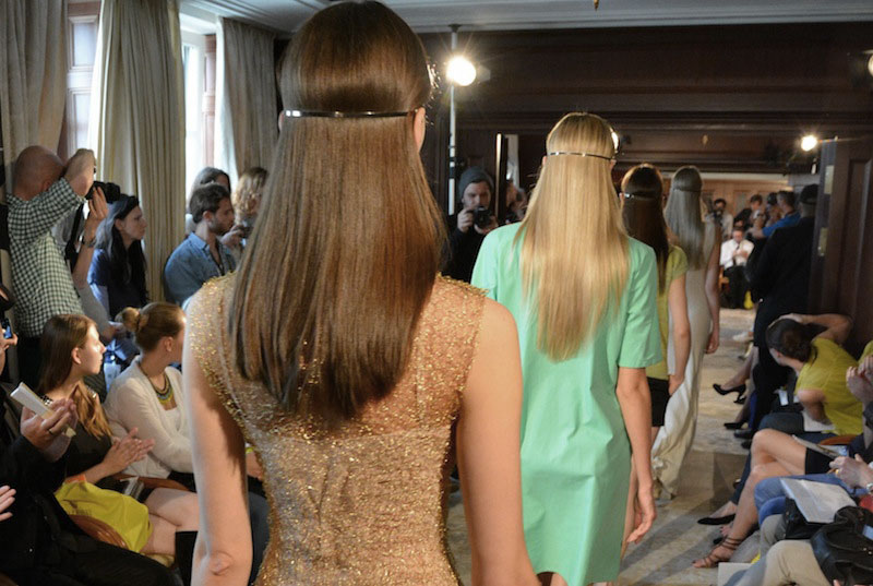 OutiLesPyy-Berlin-Green-Showroom-SS14-1